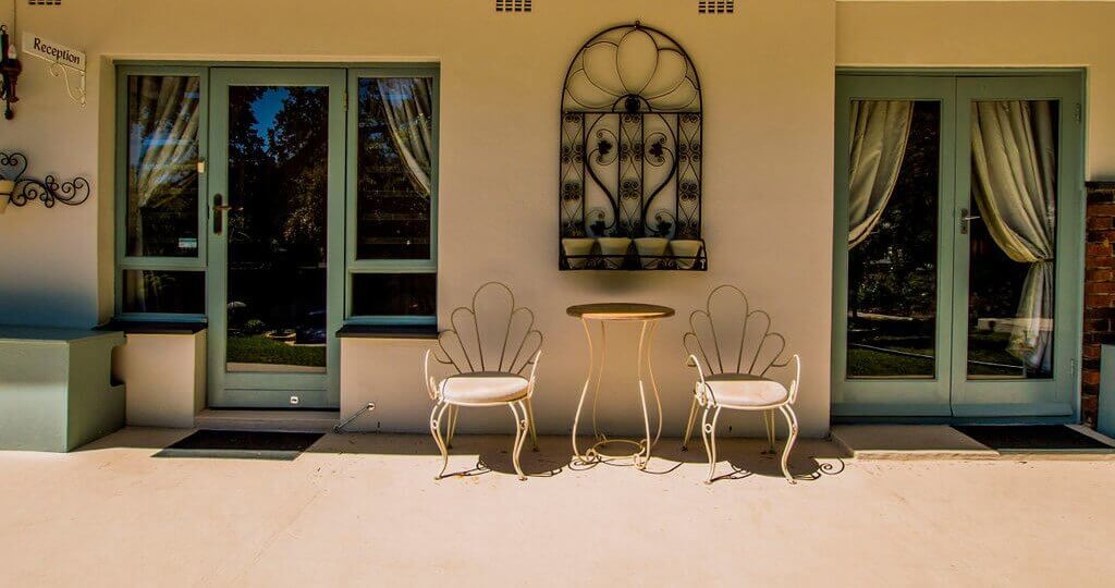 ladera-vista-home-reception-slide